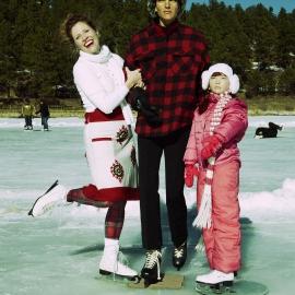 2011 - Christmas11 - Skaters Waltz - 1200px-wmk